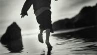 بسم الله الرحمن الرحيم كنت أسير في احد الليالي في شارع مظلم… وإذ بكلب يخرج علي من احد البيوت المهجورة ويتجه نحوي….. فوقفت مذهولاً… وأخذت اقلب راسي بحسابات كثيرة وأفكر […]